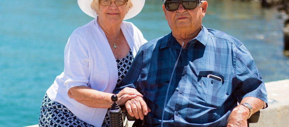 grandparents-1054311_1280