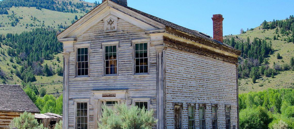 masonic-lodge-and-schoolhouse-3553702_1280